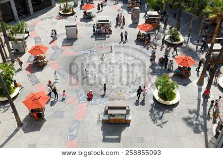 Hollywood - Sept 2, 2018: Courtyard At The Hollywood And Highland Center Shopping Mall And Entertain