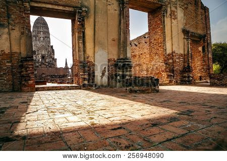 Wat Ratchburana Temple Ayuthaya World Heritage Site Of Unesco Thailand