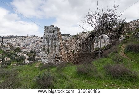 Jerusalem, Israel, February 29, 2020 : The Ruins Of An Old Christian Monastery Are In The Gey Ben Hi