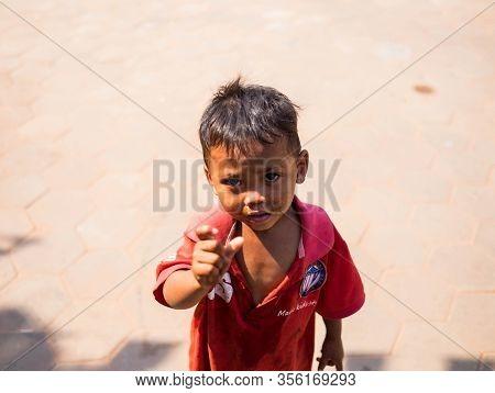 Cambodia - Febuary 18, 2017 : Children In Cambodia Begging For Money On The Roadside In Cambodia