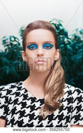 Beauty Vogue Style Fashion Model Girl. Professional Make Up