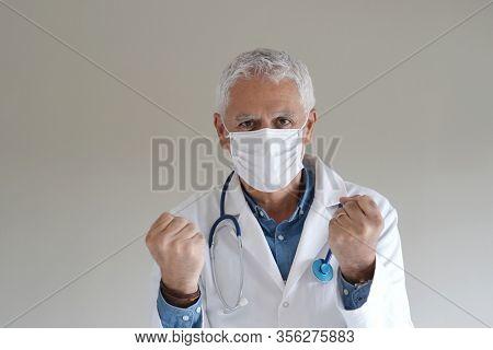 Doctor succeeding in stopping virus spreading