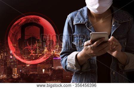 Tourist Wearing A Mask And Using Phone. Covid-19 Virus Outbreak Background. Coronavirus Pandemic, Wo