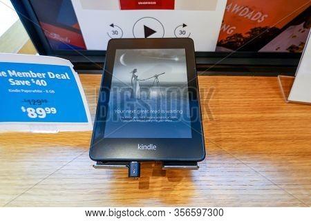 Seattle, Wa/usa-9/15/19: An Amazon Kindle Paperwhite Device On Sale At An Amazon Book Store.