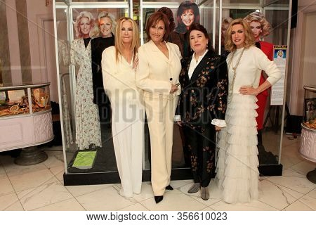 LOS ANGELES - JAN 18:  Joan Van Ark, Michele Lee, Donelle Dadigan, Donna Mills at the 40th Anniversary of