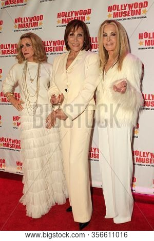LOS ANGELES - JAN 18:  Joan Van Ark, Donna Mills, Michele Lee at the 40th Anniversary of