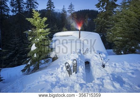 Snow Avalanche Mountain Shelter