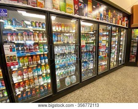 Orlando,fl/usa-12/27/19: The Beverage Display At A Wawa Gas Station, Fast Food Restaurant, And Conve