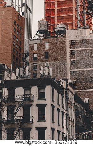 New York City Streets Of Manhattan. Big City Life In New York State. Manhattan Streets Full Of Peopl