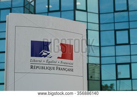 Bordeaux , Aquitaine / France - 11 19 2019 : Republique Francaise Sign Logo France Republic Freedom