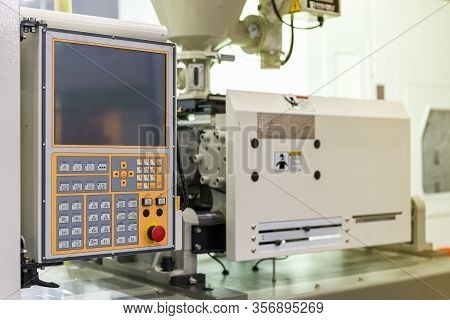 High Technology Plc Monitor Touch Screen And Many Push Button Control Panel Of Plastic Injection Hig