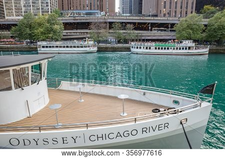Chicago, Illinois, Usa - October, 2019: Chicago City. Walking Down Town Streets Of Chicago, Illinous