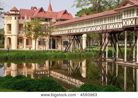 Old Palace.