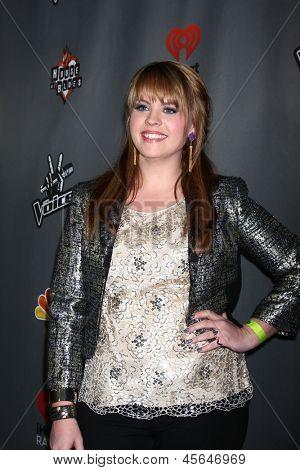 LOS ANGELES - MAY 8:  Holly Tucker arrives at
