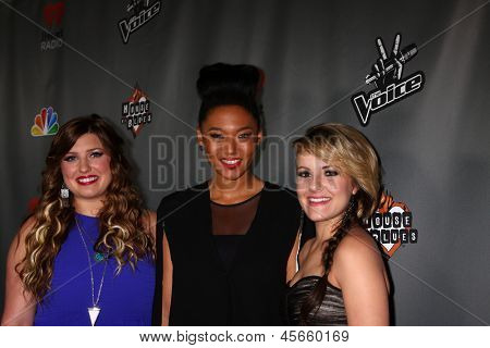 LOS ANGELES - MAY 8:  Sarah Simmons, Judith Hill, Amber Carrington arrive at