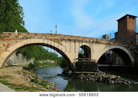 Bridge Pons Fabricius ( Ponte Dei Quattro Capi), The Oldest Roman Bridge In Rome