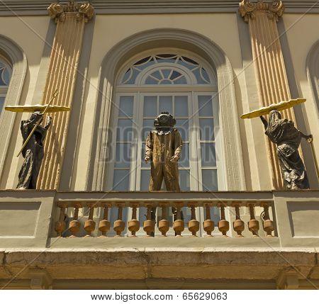 Statue Of Dali