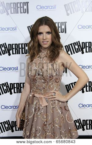 LOS ANGELES - SEP 24:  Anna Kendrick arrives at the
