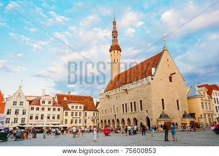 Tallinn Central Town Hall Square By Evening (raekoja Plats)