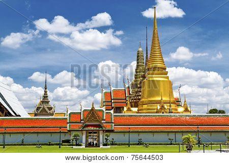 Golden Sharp Pagoda