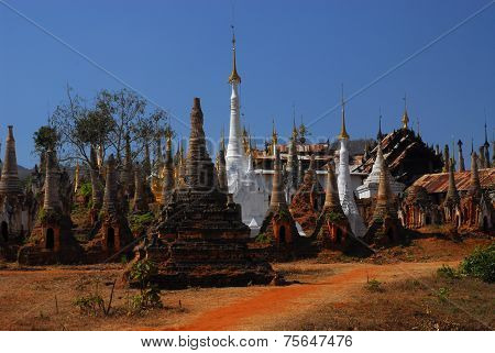 Group Of Ancient Pagodas In Myanmar .