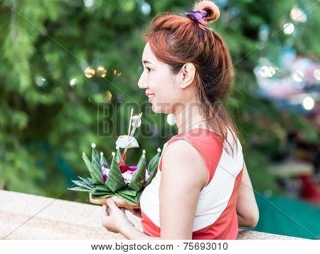 Loi Krathong Girl