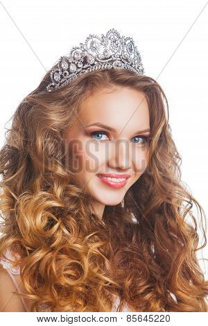 Beauty woman with wedding hairstyle and makeup.