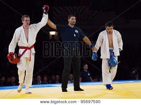 Makarov V. (red) And Mukashev U. (blue)