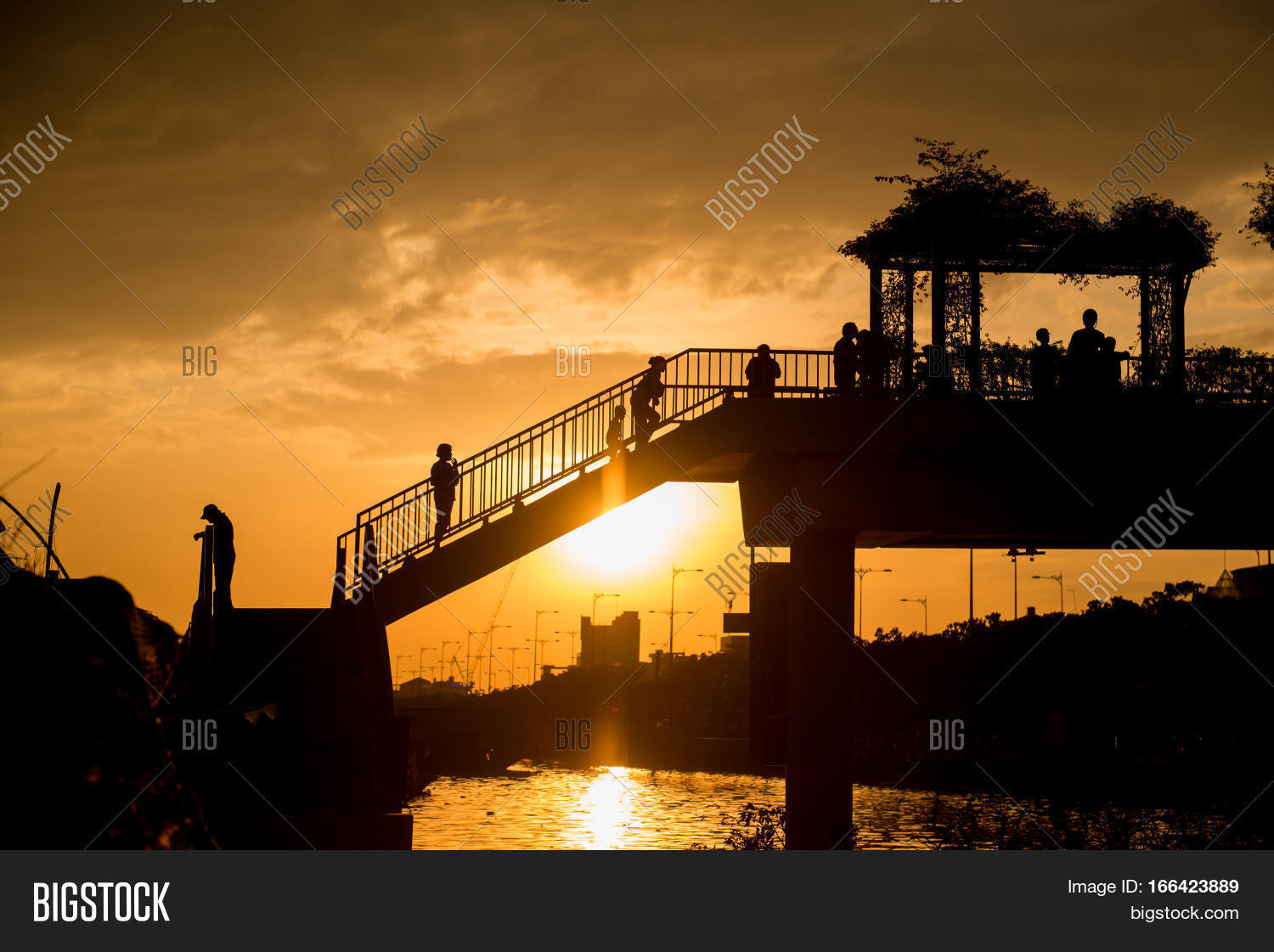 Binh Dong Floating Flower Market.Sunset On Ben Binh Dong Flower Image Photo Hd Bigstock