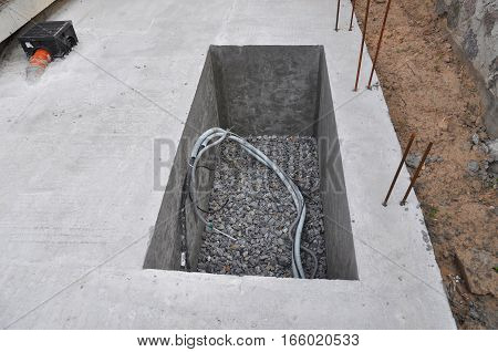 Manhole Water Borehole under Construction for Water Supply System Hydraulic Accumulator Water Pump and other Equipment