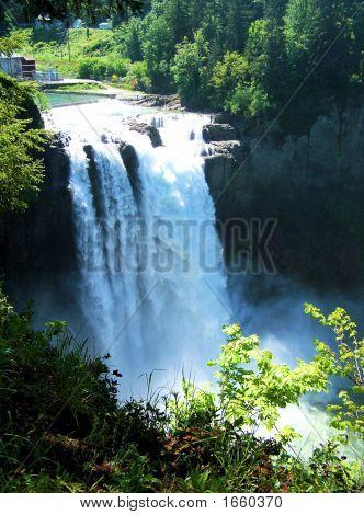 Snoqualmie Falls Long Shot