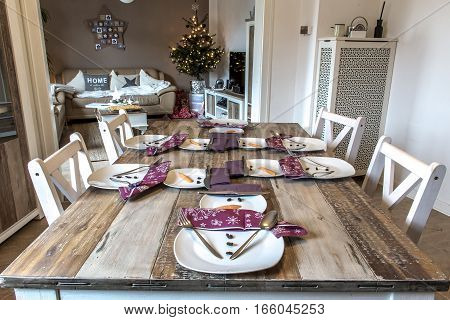 Festive table setting decoration christmas with snowman shape 4