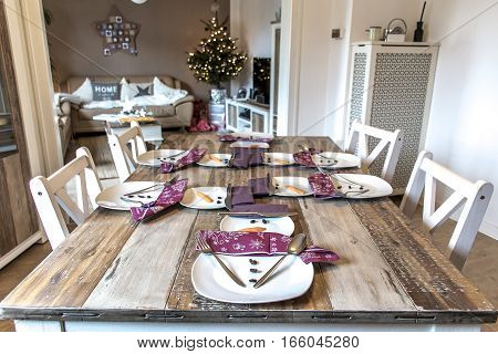 Festive table setting decoration christmas with snowman shape 5