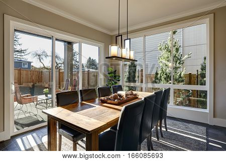 Sun Filled Dining Room In New Luxury Home