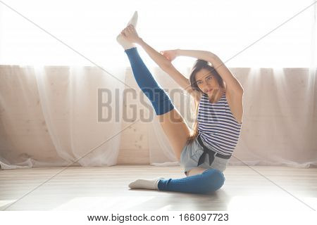 girl dancing gymnastics stretches Hall 1 2