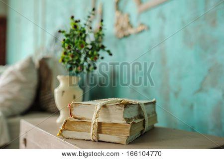 Book Vase Flowers
