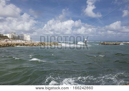 Boca Raton Inlet leading to the Atlantic Ocean