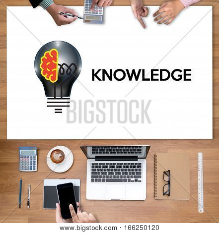 Distance learning online webpage KNOWLEDGE work academics, case, class,