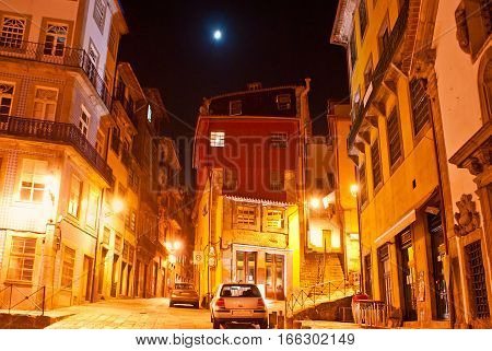 The Evening In Old Porto