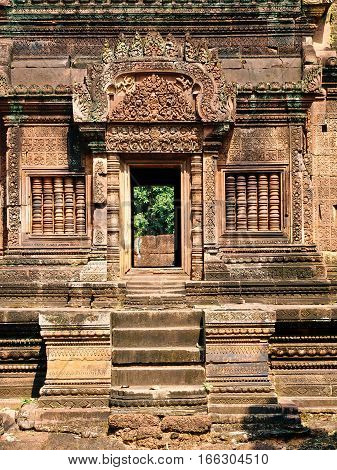Angkor Wat - Banteay Srei Temple architecture