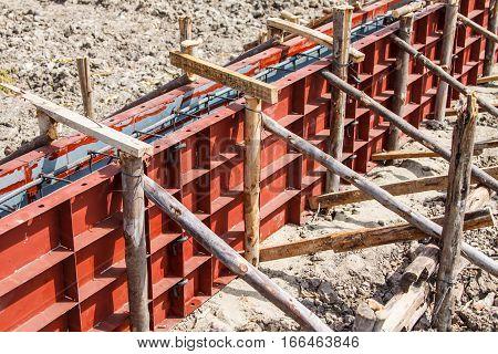 Reinforcement metal framework for concrete pouring at construction site
