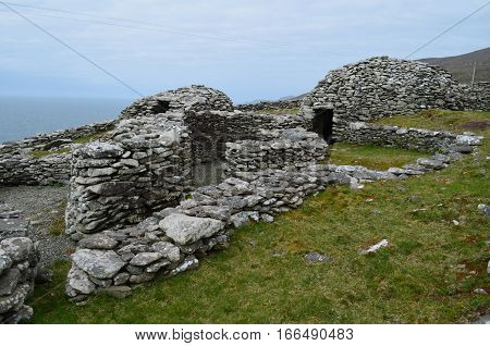 Village of ancient stone beehive huts found in Ireland.