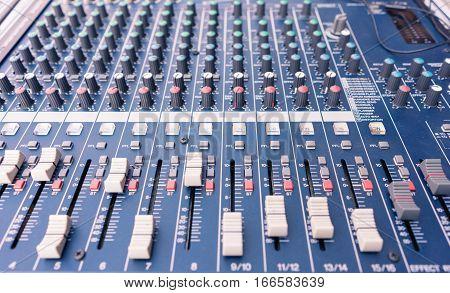 Audio sound mixer low depth of field