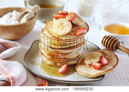 Gluten-free: Pancake with rice milk and rice flour cinnamon dressing