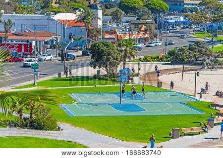 Laguna Beach California - november 03 2016: Basketball courts in Laguna Beach shoreline