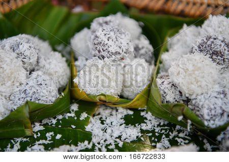 Thai Coconut Muchkins, Thai Traditional Dessert.
