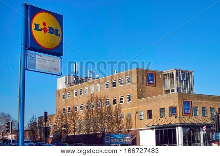 Blackwater, Uk - 21 Jan 2017: Exterior Shop Front Of The Aldi Store, With The Sign For Competitor Li