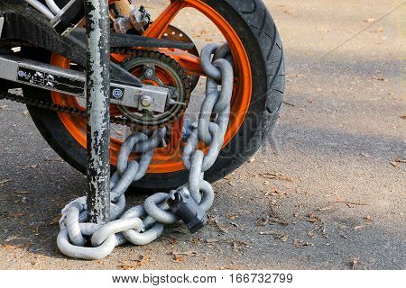 Motorcycle Anti-theft Chain With Padlock Security Lock On Rear Wheel