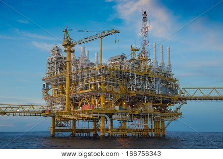 Offshore oil and gas industry and business oil and gas central processing platform threated salt gas to sweetening gas and sent to onshore refinery