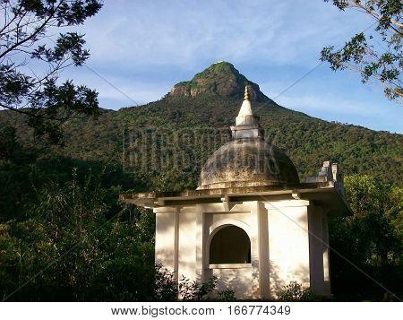 View of the ascent towards Adam's peak in Sri-Lanka